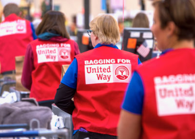 United Way Celebrity Bagging Event